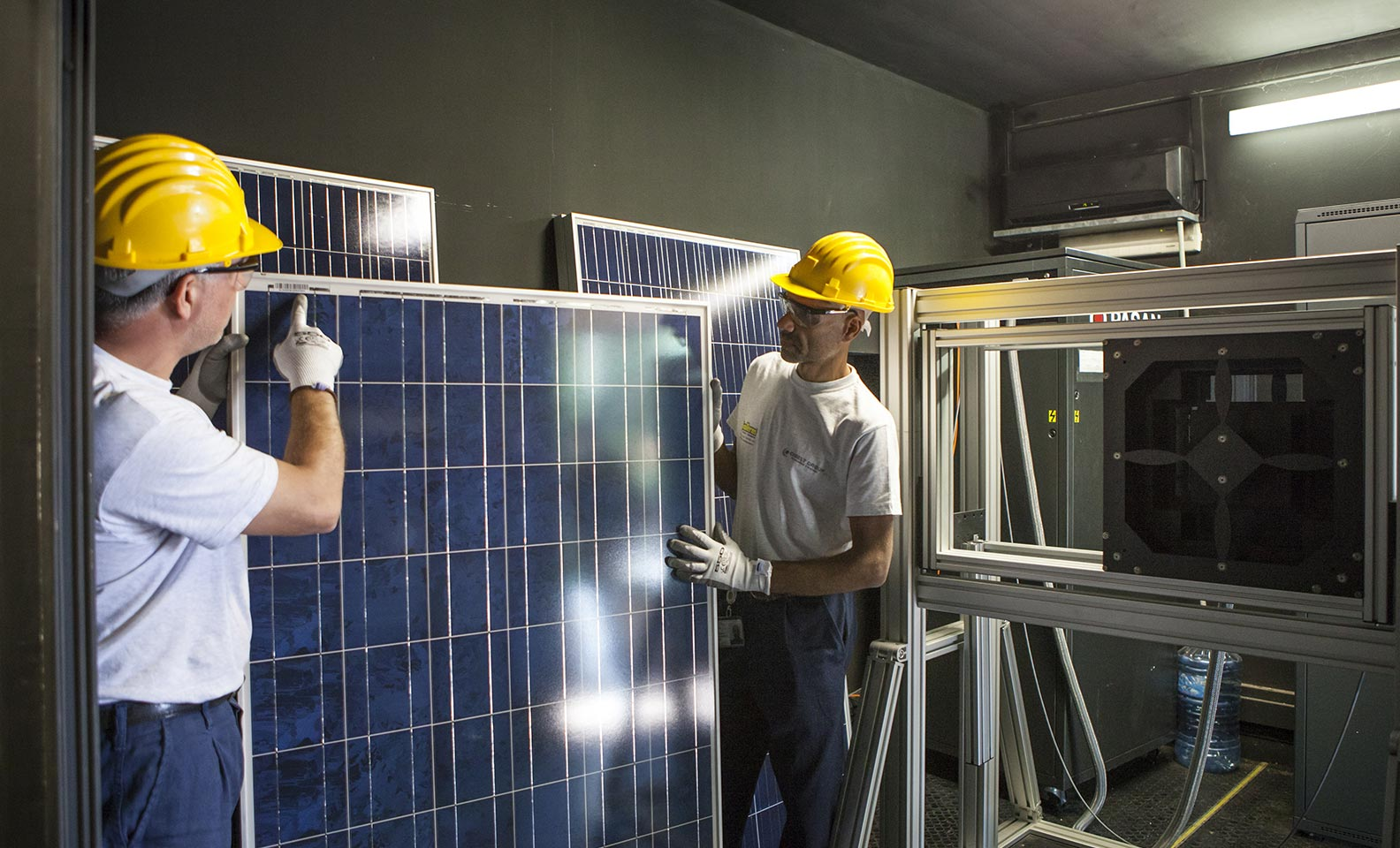 Men in the laboratory with solar panel
